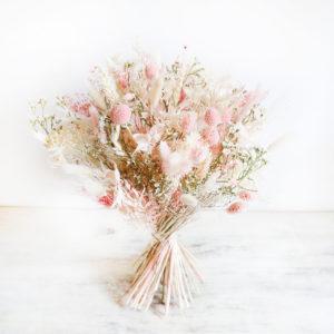 bouquet-fleurs-sechees-rose-poudre-origine-atelier-floral